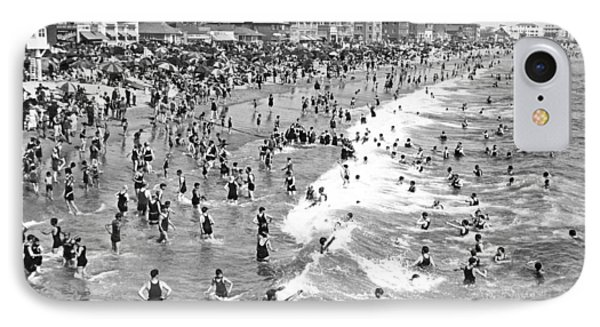 Santa Monica Beach In December IPhone Case by Underwood Archives