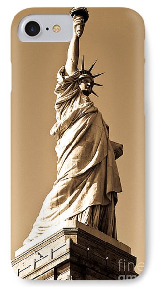 Statue Of Liberty Phone Case by Syed Aqueel