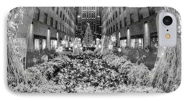Rockefeller Center  Christmas Nyc IPhone Case by Susan Candelario