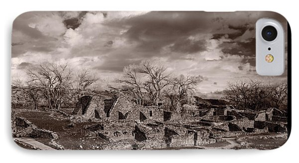 Aztec Ruins National Monument Phone Case by Steve Gadomski