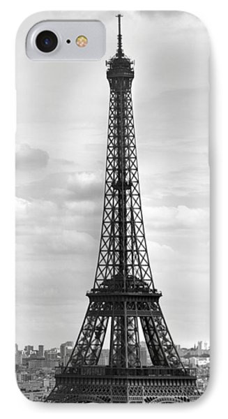 Eiffel Tower Black And White IPhone 7 Case by Melanie Viola