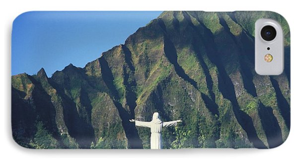 Hawaii Memorial Park IPhone Case by Peter French - Printscapes
