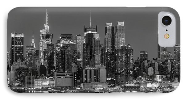 Manhattan Twilight Iv Phone Case by Clarence Holmes
