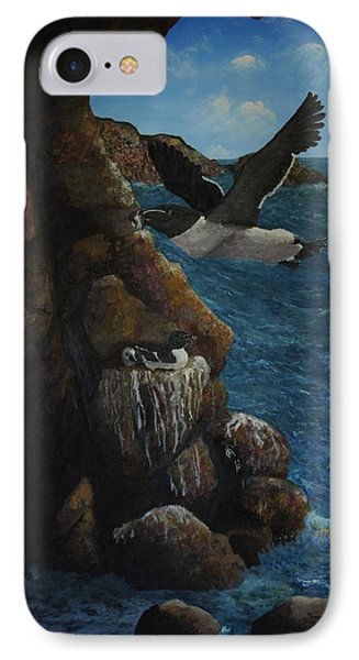Razorbills IPhone 7 Case by Eric Petrie