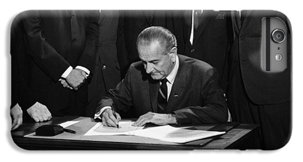 Lbj Signs Civil Rights Bill IPhone 7 Plus Case by Underwood Archives Warren Leffler