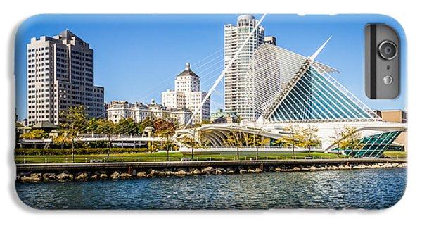 Milwaukee Skyline Photo With Milwaukee Art Museum IPhone 7 Plus Case by Paul Velgos
