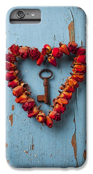 Small Rose Heart Wreath With Key IPhone 7 Plus Case by Garry Gay