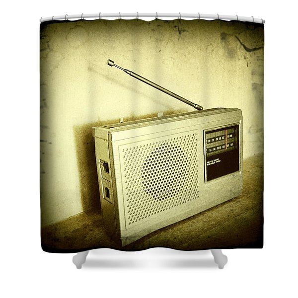 Old Radio Shower Curtain by Les Cunliffe