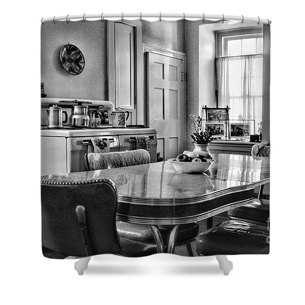 Americana - 1950 Kitchen - 1950s - Retro Kitchen Black And White Shower Curtain by Paul Ward