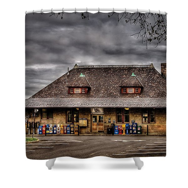 Station - Westfield Nj - The Train Station Shower Curtain by Mike Savad