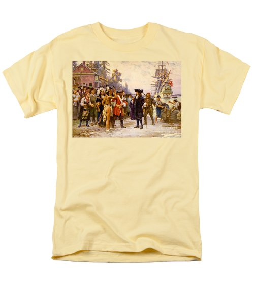 The Landing Of William Penn, 1682 T-Shirt by Photo Researchers