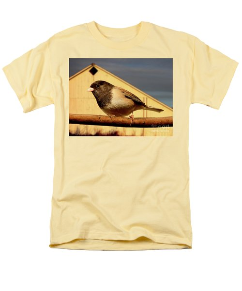 Bird House . 40D11078 T-Shirt by Wingsdomain Art and Photography