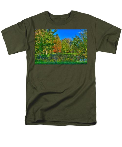 A hint off fall T-Shirt by Robert Pearson