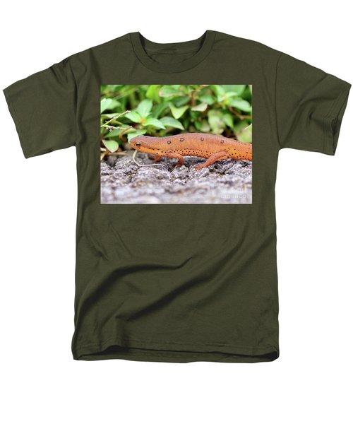 Red Eft - Close Up Men's T-Shirt  (Regular Fit) by Kerri Farley
