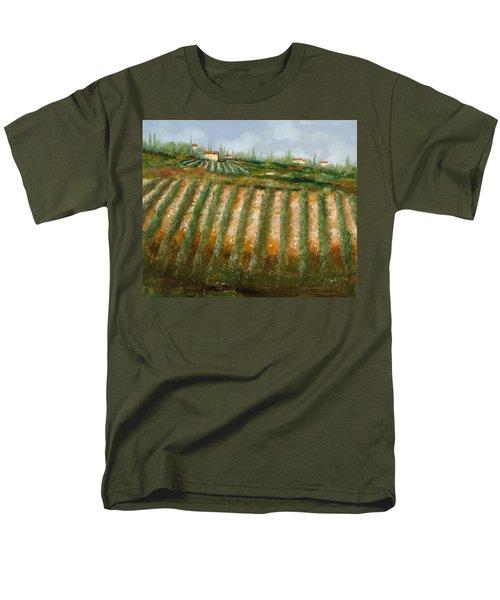 tra i filari nella vigna T-Shirt by Guido Borelli