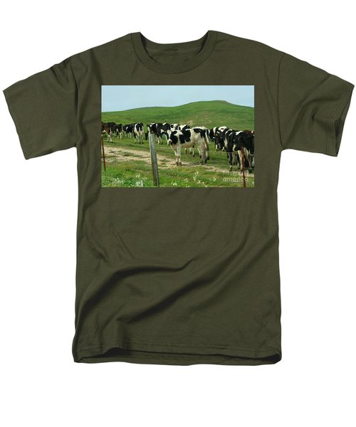 When the Cows Come Home T-Shirt by Wingsdomain Art and Photography