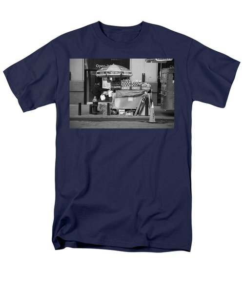 New York Street Photography 6 T-Shirt by Frank Romeo