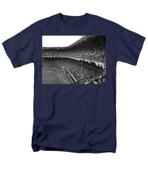 World Series In New York Men's T-Shirt  (Regular Fit) by Underwood Archives