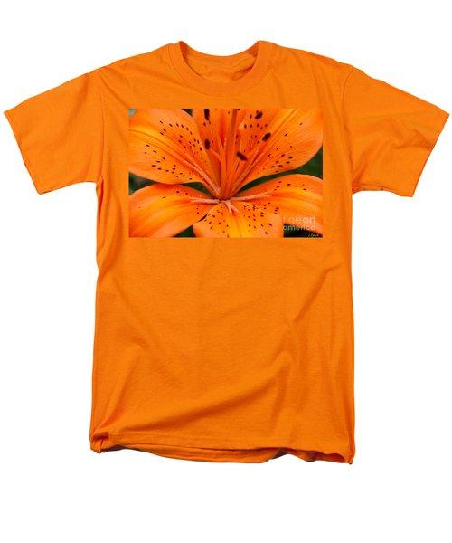 Beautiful lily T-Shirt by Carol Lynch