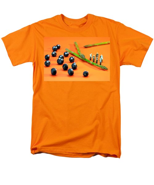 Blueberry Protesting Men's T-Shirt  (Regular Fit) by Paul Ge