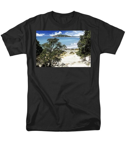 New Zealand T-Shirt by Les Cunliffe