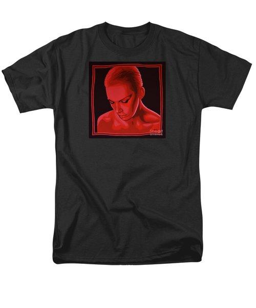 Annie Lennox Men's T-Shirt  (Regular Fit) by Paul Meijering
