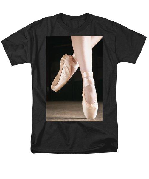 Ballet Dancer En Pointe T-Shirt by Don Hammond