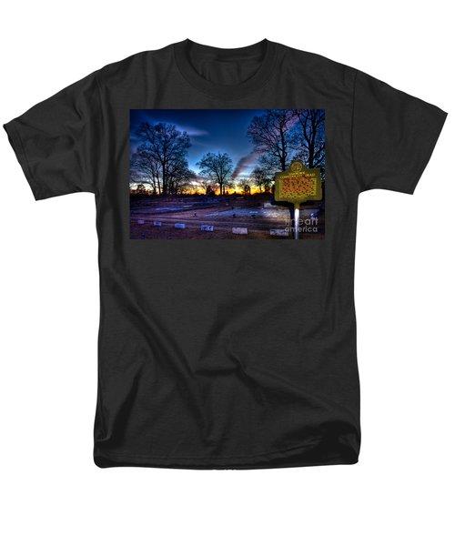 Deadly Silence    T-Shirt by Reid Callaway