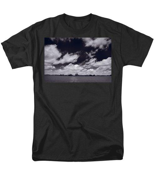 Midwest Corn Field BW T-Shirt by Steve Gadomski