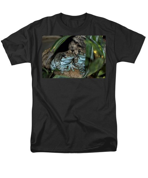 Poisonous Frogs With Sticky Feet Men's T-Shirt  (Regular Fit) by Thomas Woolworth