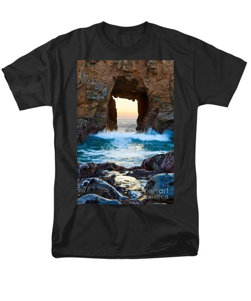 Sunset on Arch Rock in Pfeiffer Beach Big Sur. T-Shirt by Jamie Pham