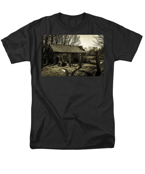 Old Fashioned Shed T-Shirt by Dawn OConnor