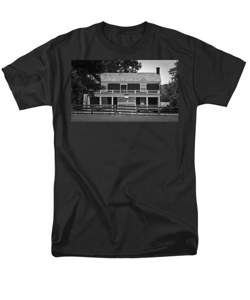 McLean House BW Appomattox Virgnia T-Shirt by Teresa Mucha