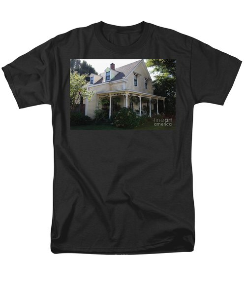 Quaint House Architecture - Benicia California - 5D18793 T-Shirt by Wingsdomain Art and Photography