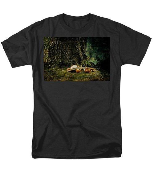 teddy with a saw T-Shirt by Joana Kruse