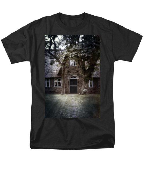 thatch T-Shirt by Joana Kruse