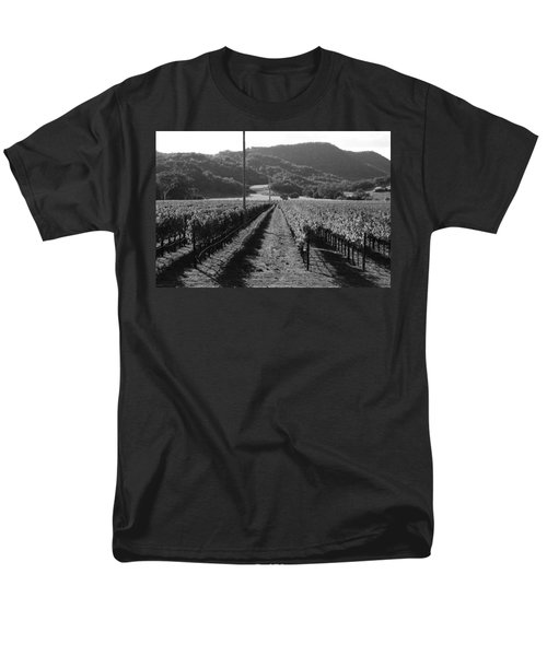 Napa Valley Vineyard .  Black and White . 7D9020 T-Shirt by Wingsdomain Art and Photography
