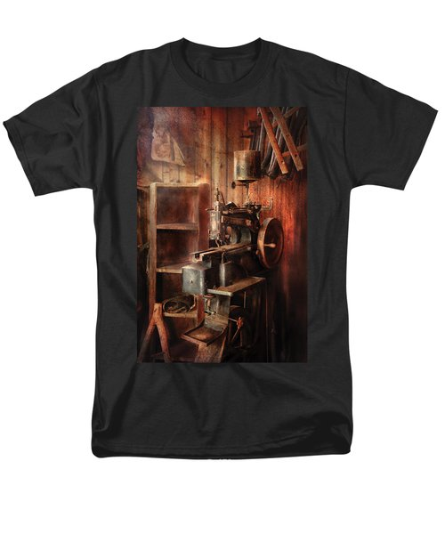 Sewing - Sewing Machine for Saddle Making T-Shirt by Mike Savad