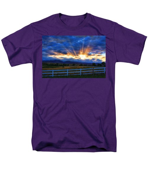Sun beams in the sky at sunset T-Shirt by James BO  Insogna
