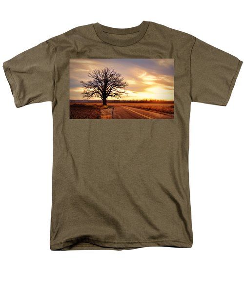 Burr Oak Silhouette Men's T-Shirt  (Regular Fit) by Cricket Hackmann