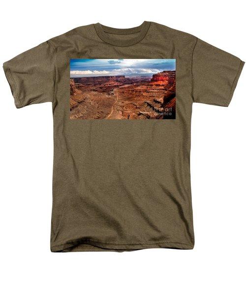 Canyonland T-Shirt by Robert Bales