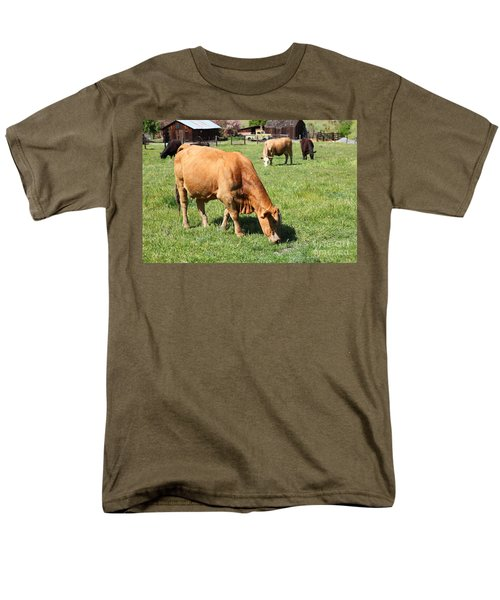 Cows Home On The Ranch At The Black Diamond Mines in Antioch California 5D22358 T-Shirt by Wingsdomain Art and Photography