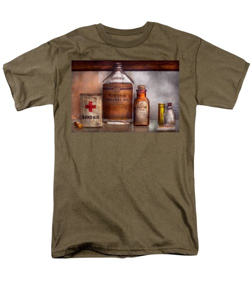 Doctor - Pharmacueticals  T-Shirt by Mike Savad