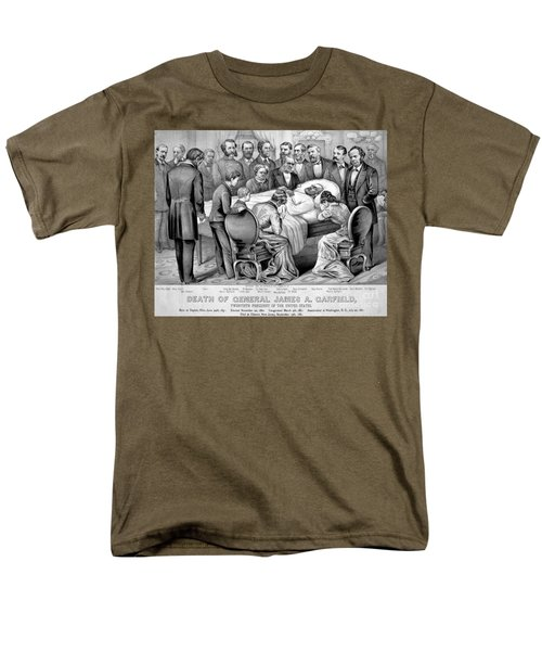 Death Of Garfield, 1881 T-Shirt by Photo Researchers