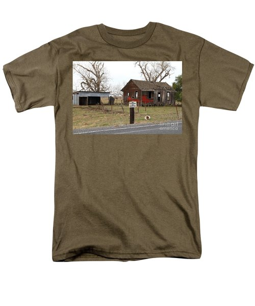 Dilapidated Old Farm House . No Trespassing . No Hunting . 7D10335 T-Shirt by Wingsdomain Art and Photography
