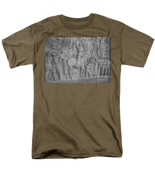 Mussolini, Haut-relief T-Shirt by Photo Researchers