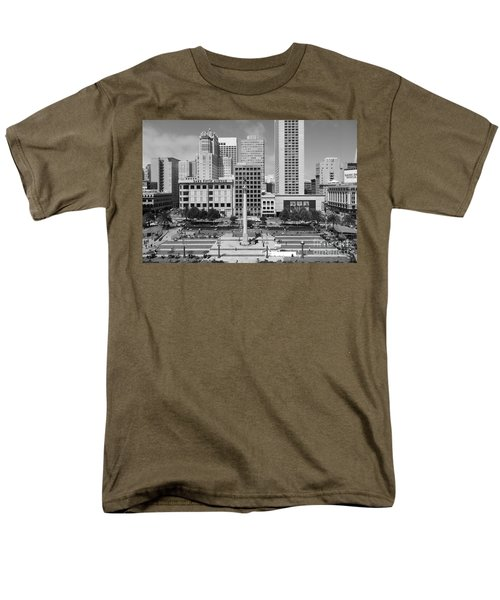 San Francisco - Union Square - 5D17938 - black and white T-Shirt by Wingsdomain Art and Photography