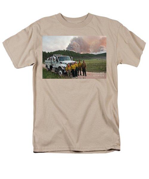 Men's T-Shirt  (Regular Fit) featuring the photograph Umpqua Engine 25 On Myrtle Fire by Bill Gabbert