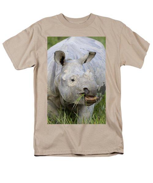 Indian Rhinoceros Grazing Kaziranga T-Shirt by Suzi Eszterhas