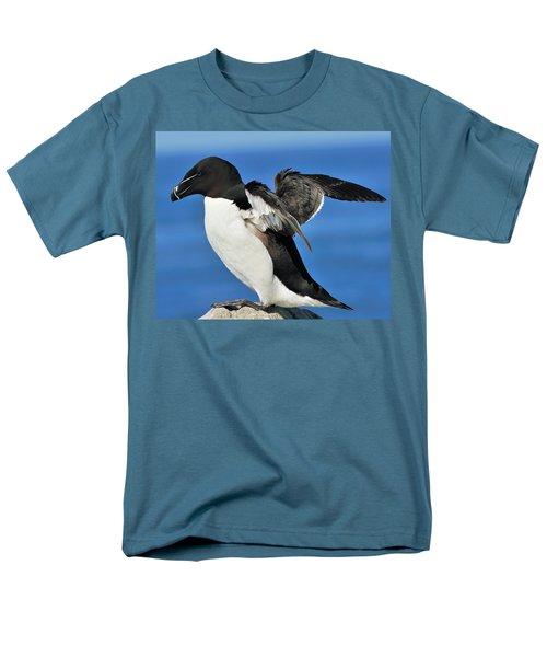 Razorbill Men's T-Shirt  (Regular Fit) by Tony Beck
